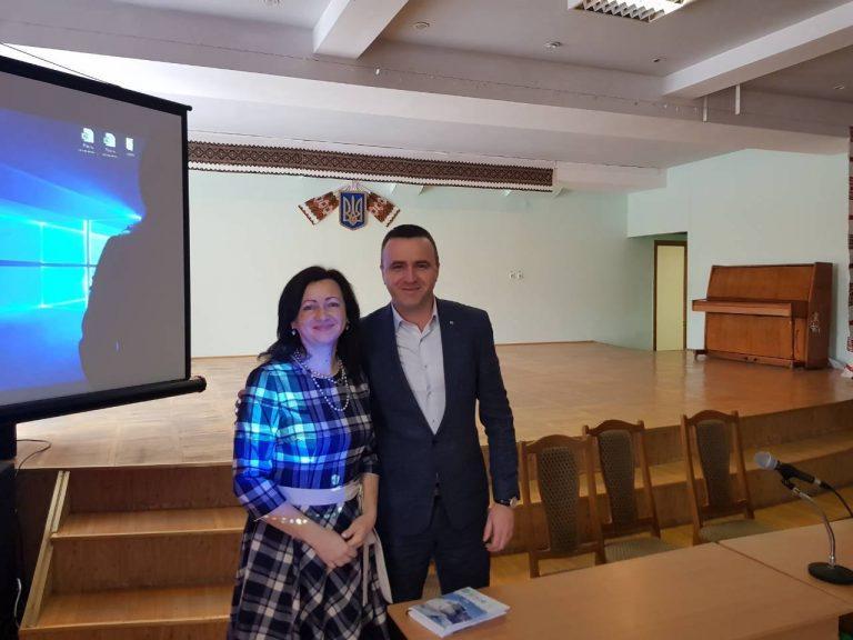 В Ямницькій сільській раді об'єднаної територіальної громади урочисто представлено начальника відділу освіти